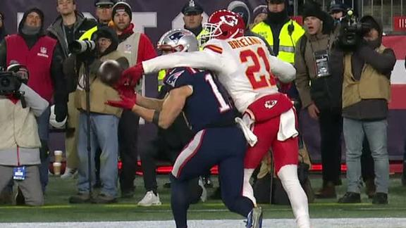 Pats fail to score on fourth down in final minutes