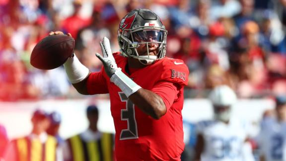 Winston shakes off rough start, throws 4 TDs in Bucs' win