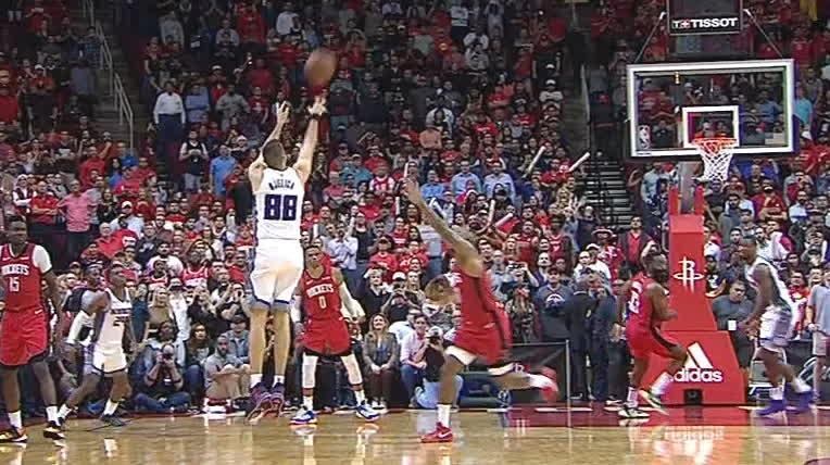 Bjelica hits buzzer-beater to lift Kings over Rockets