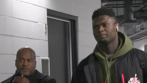 Zion arrives in Milwaukee for Pelicans' game