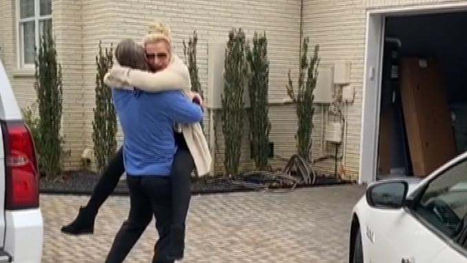 Josh Donaldson surprises his mom with a new car
