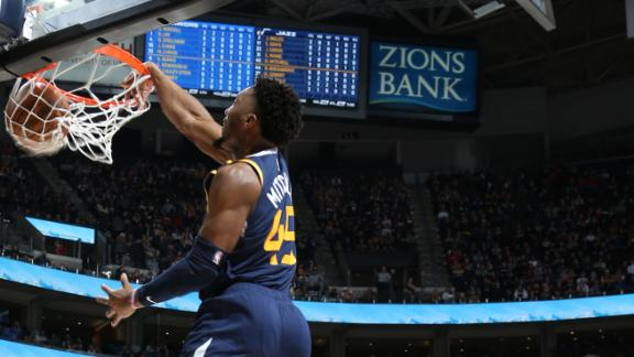 Mitchell hosts dunk fest in win vs. Warriors