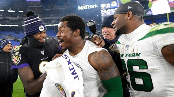 Jackson exchanges jerseys with Bell, multiple Jets