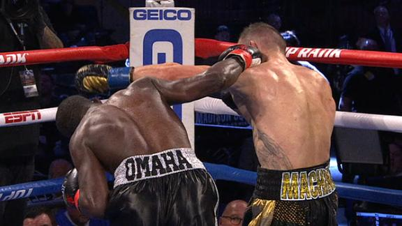 Crawford knocks down Kavaliauskas in seventh