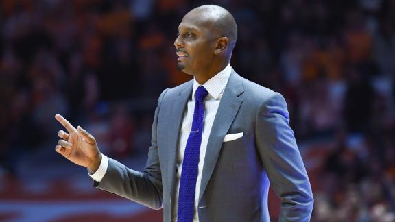 Memphis ends Tennessee's 31-game home winning streak