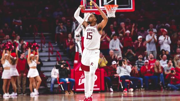 Jones records first 40-point game for Hogs since 1992