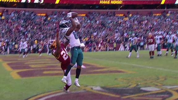 Wentz hits Ward Jr. for go-ahead TD
