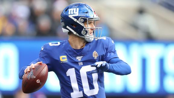 Eli throws 2 TDs, 3 INTs in Giants' win over Dolphins