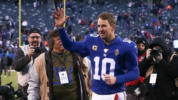 Eli throws 2 TDs, 3 INTs in likely final home start