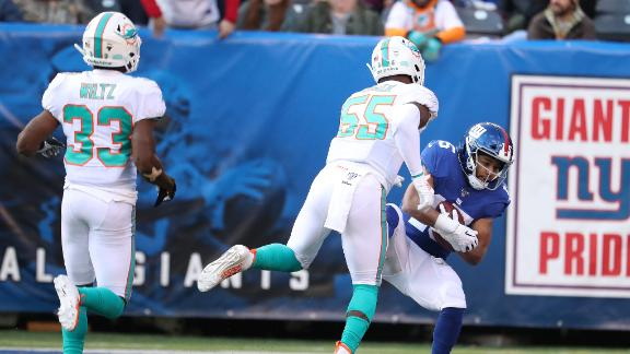 Tate makes bobbling catch, backpedals to finish off 51-yard TD