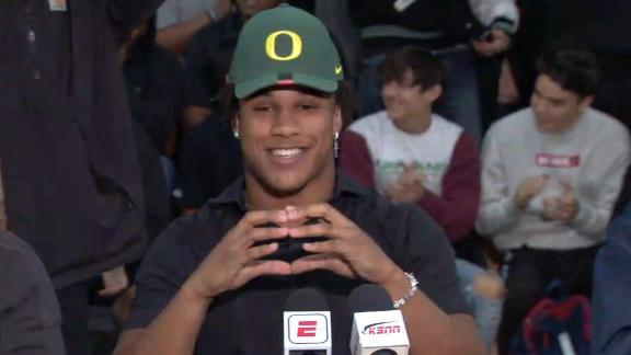 No. 1 OLB Flowe commits to Oregon