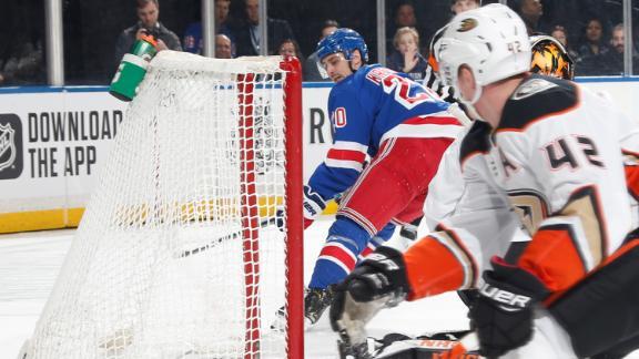 Kreider nets a pair in Rangers' win