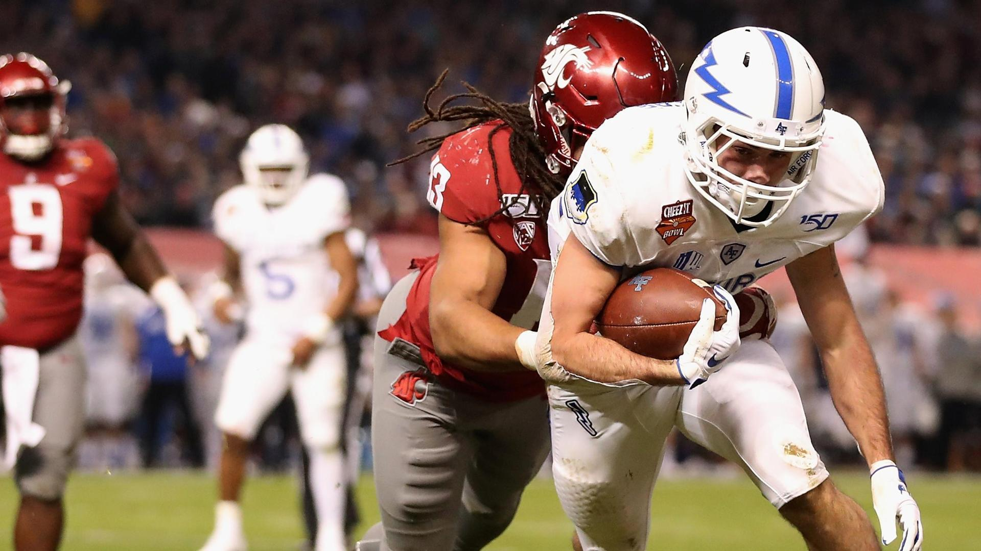 Air Force's Remsberg takes huge hit on diving TD