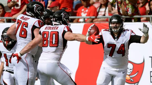 Falcons offensive lineman rumbles 35 yards for the TD