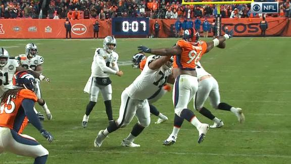 Raiders' late comeback effort falls short