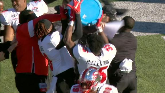 Western Kentucky gifted an untimed down, wins on FG
