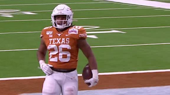 Texas' Ingram sheds tackles on big TD run