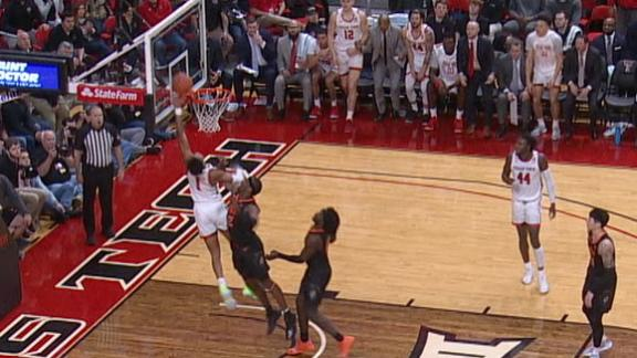Texas Tech's Shannon's tough layup drops, gets the foul