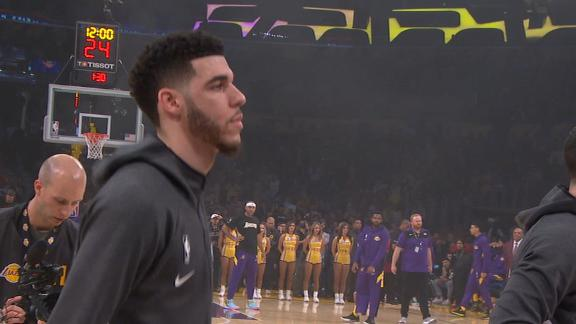 Lonzo receives rousing ovation from Laker crowd