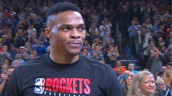 Westbrook gets standing ovation from Thunder fans in return