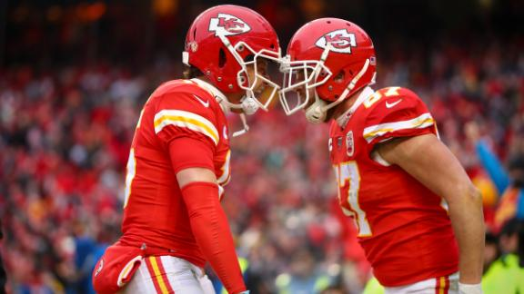Chiefs mount incredible 2nd-quarter comeback with 4 TDs