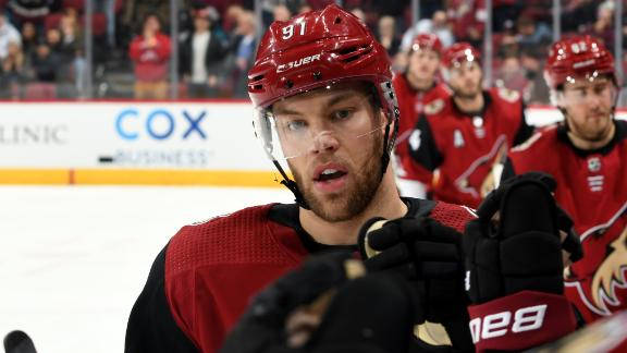 Hall gives Coyotes lead for good late in 2nd