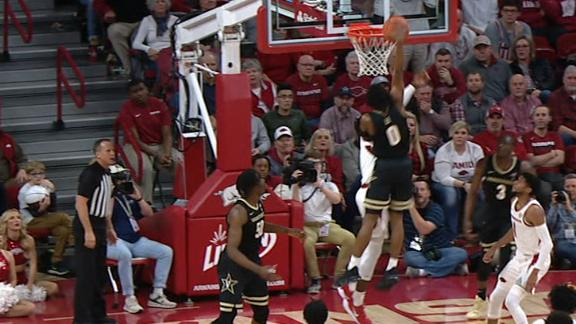 Vandy's Lee climbs the ladder for huge poster slam