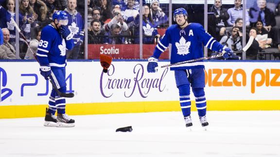 Matthews records hat trick in Leafs' win