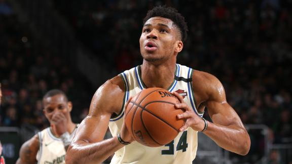 Giannis reaches 10,000 career points, records triple-double in Bucks' win