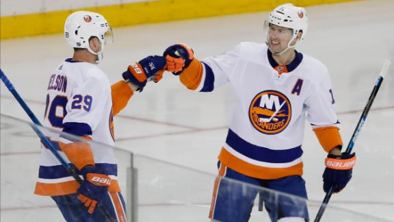 Islanders score 2 goals in 1st period vs. Rangers