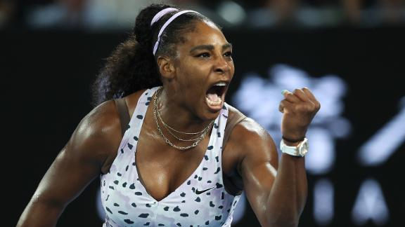 Serena advances to 3rd round at Aussie Open