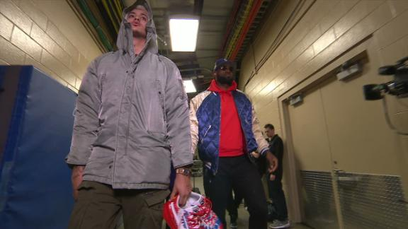 LeBron arrives before his Saturday night matchup with the 76ers