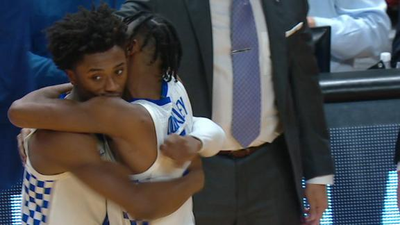 Kentucky secures win in OT off Texas Tech's miscue