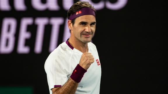 Federer advances to 15th Australian Open quarterfinals