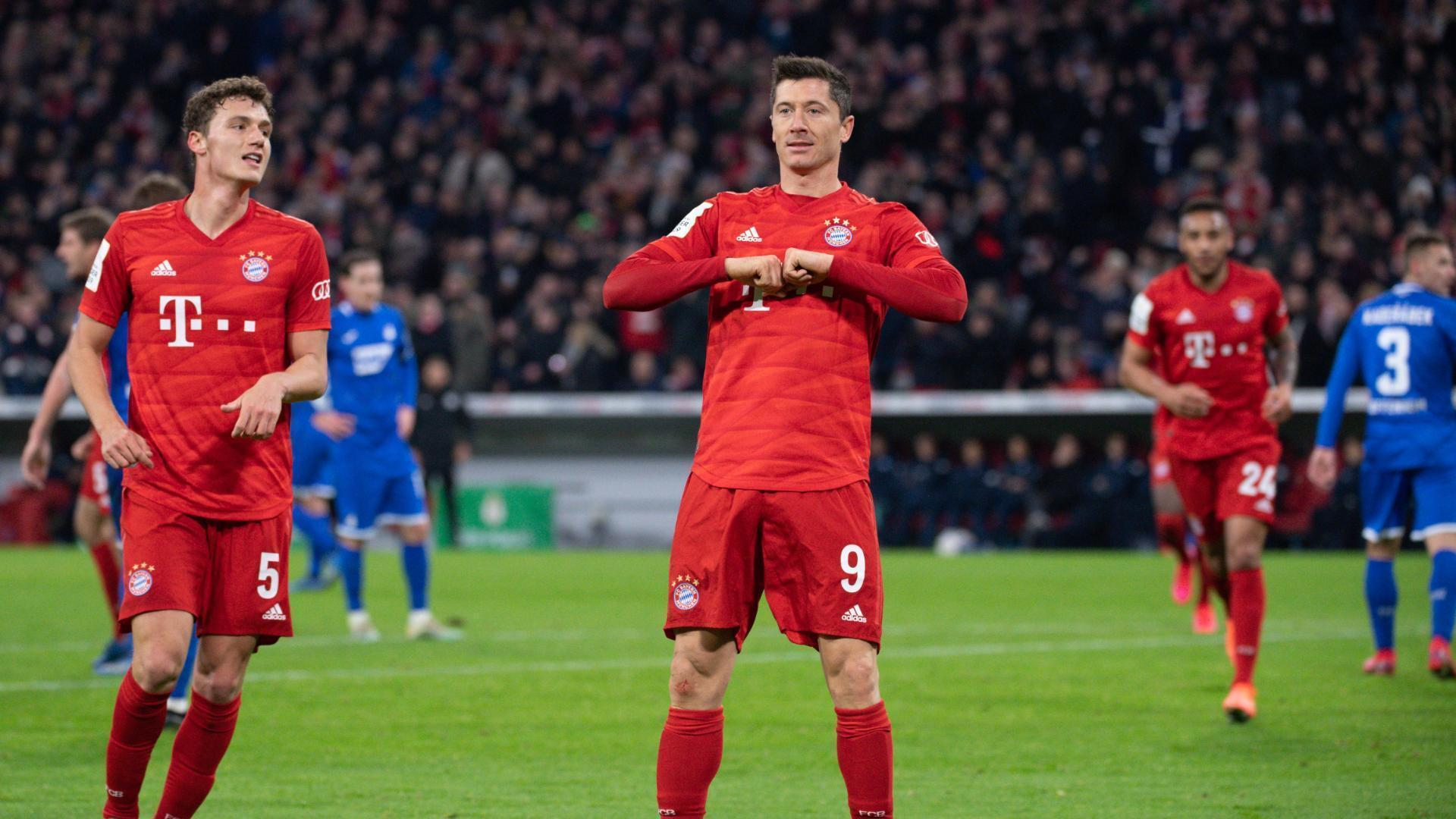 Lewandowski extends Bayern's lead