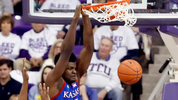 Azubuike's dunks power No. 3 Kansas