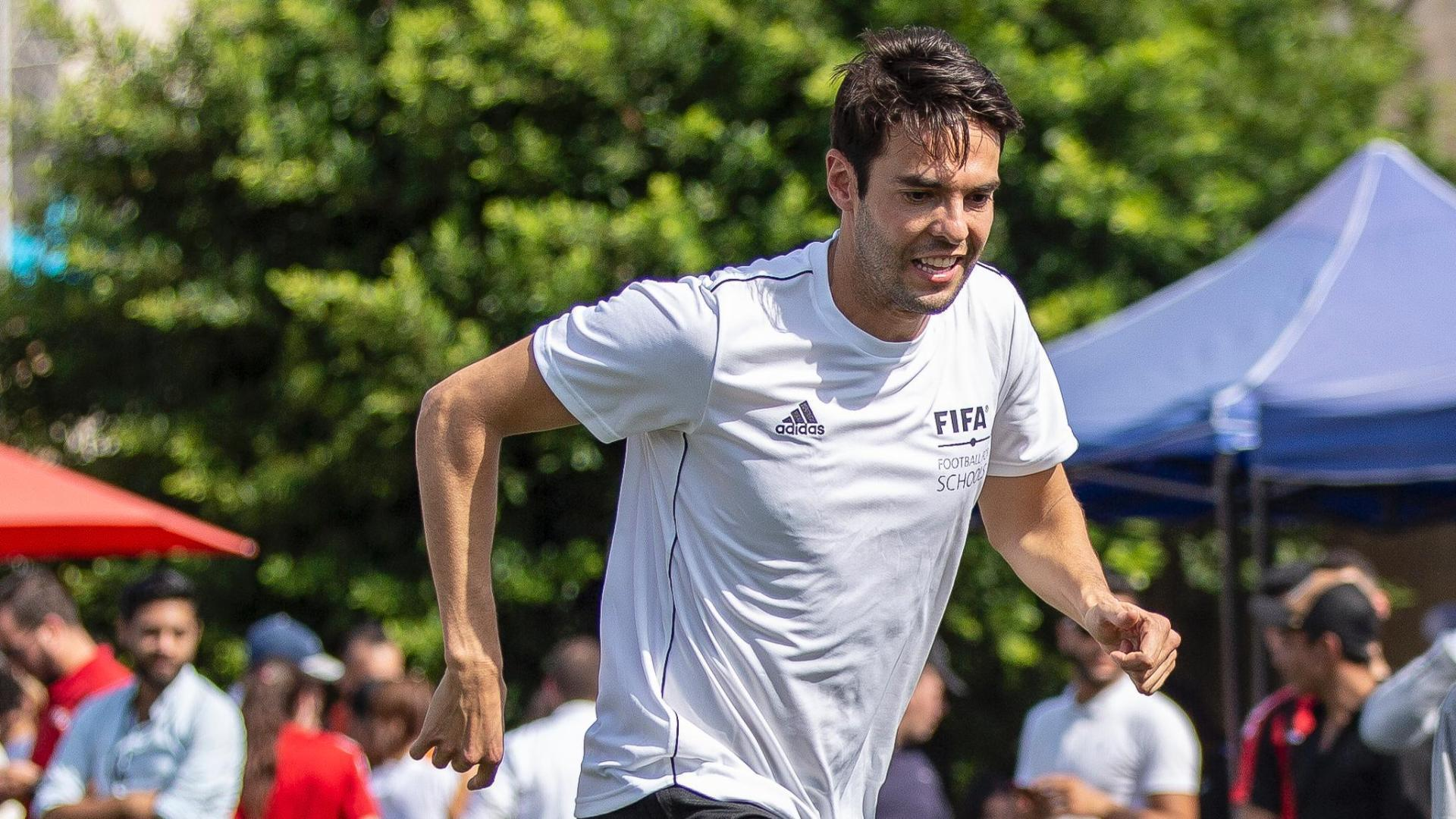 Kaka scores a worldy & gets nutmegged in six-a-side game