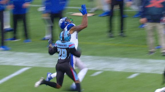 Russell hauls in the 28-yard snag