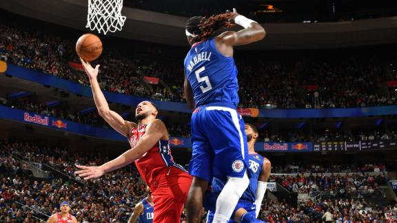 Simmons' crafty buckets ignite home crowd