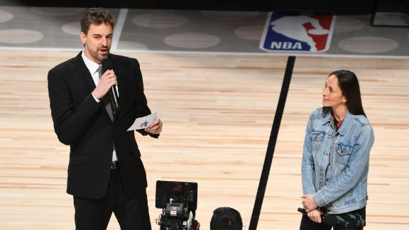 Pau Gasol, Sue Bird honor Kobe, David Stern at Rising Stars game