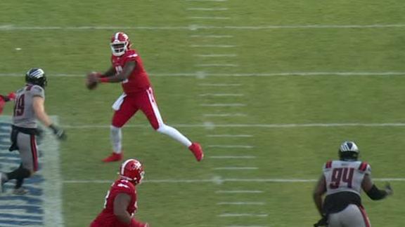 Defenders' Jones utitlizes double-forward pass rule perfectly