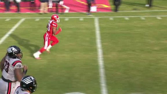 Defenders' Thurman comes away with a pick-6