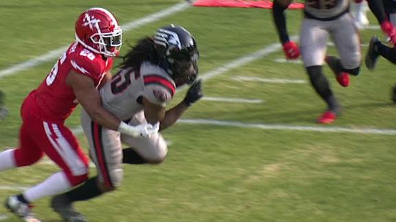 Guardians' Hines catches tipped pass for INT