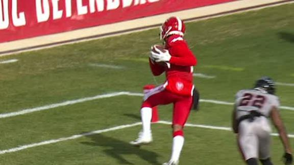 Jones delivers perfect TD pass to Thompkins
