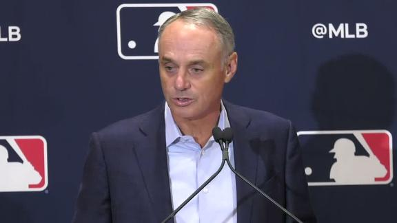 Manfred apologizes for World Series trophy comment