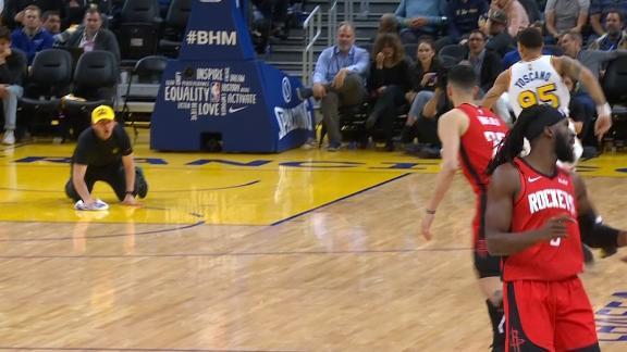 Warriors' towel guy has to dodge Toscano-Anderson