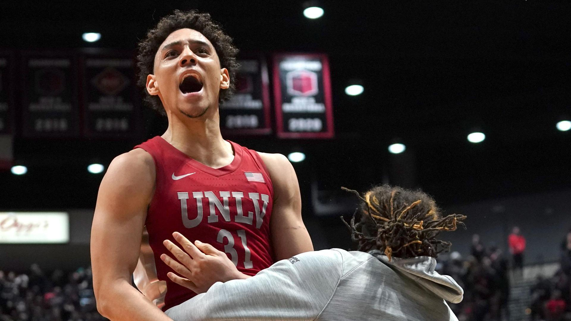UNLV hands San Diego State its first loss