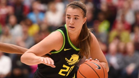 Ionescu becomes first Div. I player with 2K points, 1K assists and 1K rebounds