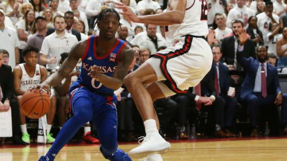 No. 1 Kansas holds off Texas Tech to win 16th straight