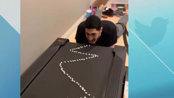 Enes Kanter attempts funny treadmill challenge